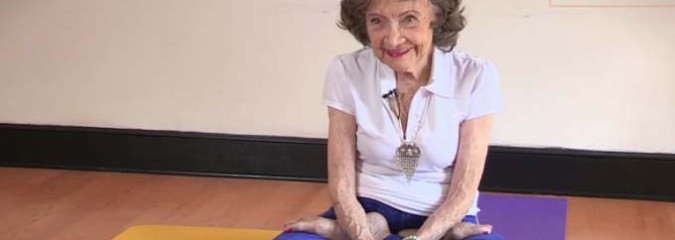 Amazing Video of 96 Year-Old Woman Who Holds the World Record For Oldest Yoga Teacher