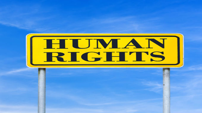 HumanRightsSign-24684226_m-680x380
