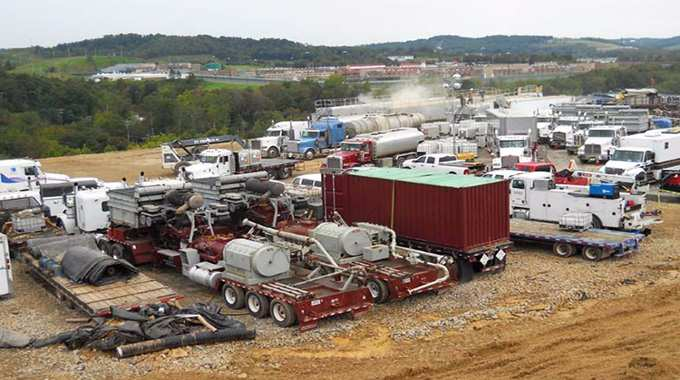 Fracking wells across the country released at least 5.3 billion pounds of the potent greenhouse gas methane, as much global warming pollution as 22 coal-fired power plants. Photo credit: Environment America Research & Policy Center