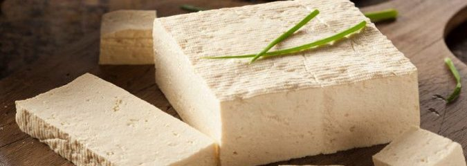 """Despite It's """"Healthy"""" Rep, Here Are 8 Proven Reasons You Should NOT Eat Tofu"""