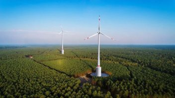 World's First Wind-Hydro Farm Supplies Power Even When There's No Wind
