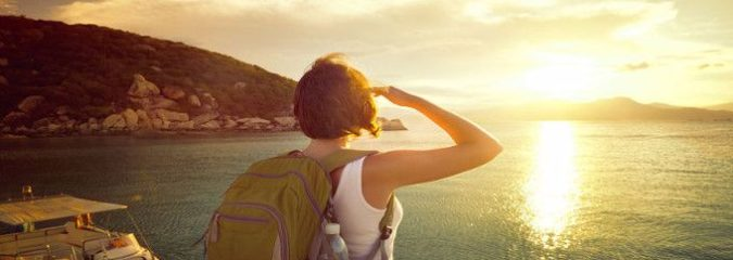 Travel Cheap: 8 Essential Apps for Budget Travelers