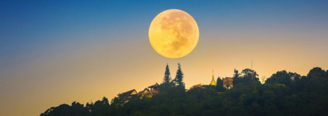 What the Super Moon in Taurus Means for You Astrologically
