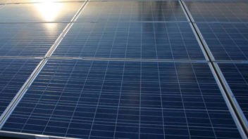 """Could """"Plug-and-Play"""" Solar Be the Next Clean Energy Wave in the U.S.?"""