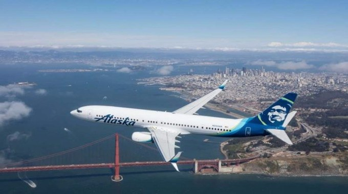 Breakthrough: Alaska Airlines Makes First Commercial Flight with Renewable Energy